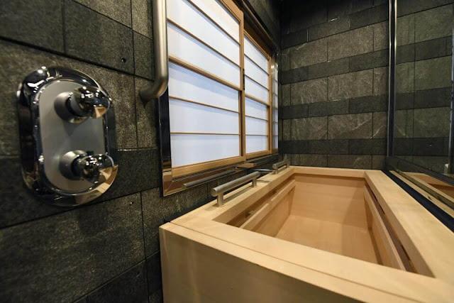The World's Most Luxurious Train Shiki-Shima
