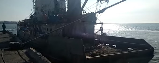 «Живыми они нас не выпустят…» Капитан крымского судна заявил об издевательствах СБУ
