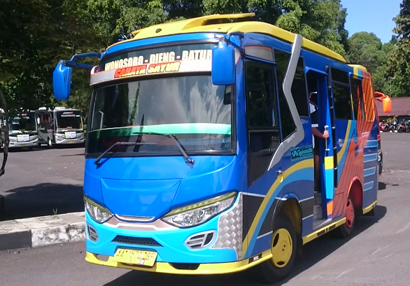 shuttle bus dieng