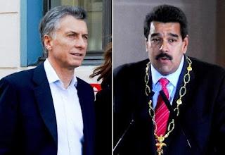¿Cómo se entiende, de otra manera, que en tan solo seis meses, el gobierno argentino pasó de amenazar con denunciar en foros internacionales la falta de garantías democráticas que se observaban en Venezuela, a sostener ahora que lasinstituciones mandan en Caracas? ¿Por qué el macrismo supo ser el principal aliado regional del antichavismo para convertirse en un impensado sostén del chavismo? ¿Qué cambió para que Macri le exija en diciembre a Nicolás Maduro que respeto los derechos humanos y en junio le reclame diálogo al oficialismo y a la oposición?