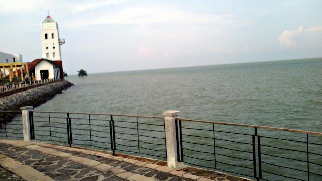 Pesona Coastal Area yang Menyejukkan