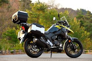 La-Suzuki-V-Strom-250-maletas