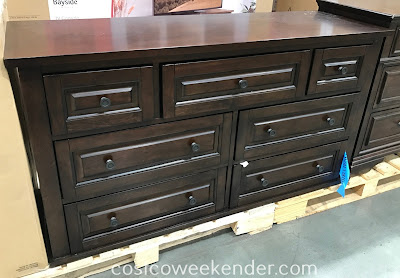 Universal Broadmoore Media Dresser: stylish and elegant for your home