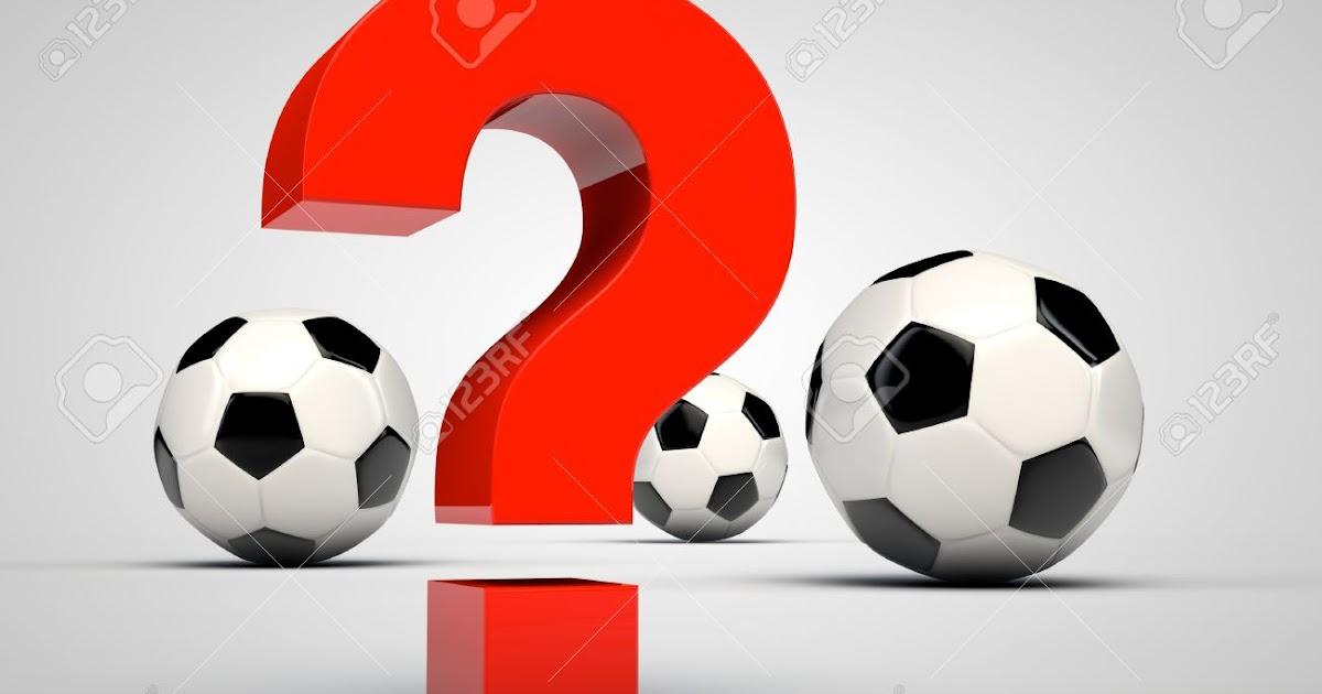 Juegos De Quiero Ir Al Baño:Signo-de-interrogaci-n-rojo-y-tres-balones-de-f-tbol-Foto-de-archivo