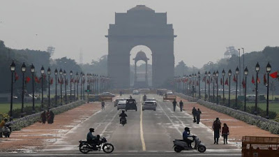 दिल्ली में चेतावनी जारी घर से बाहर ना निकले.