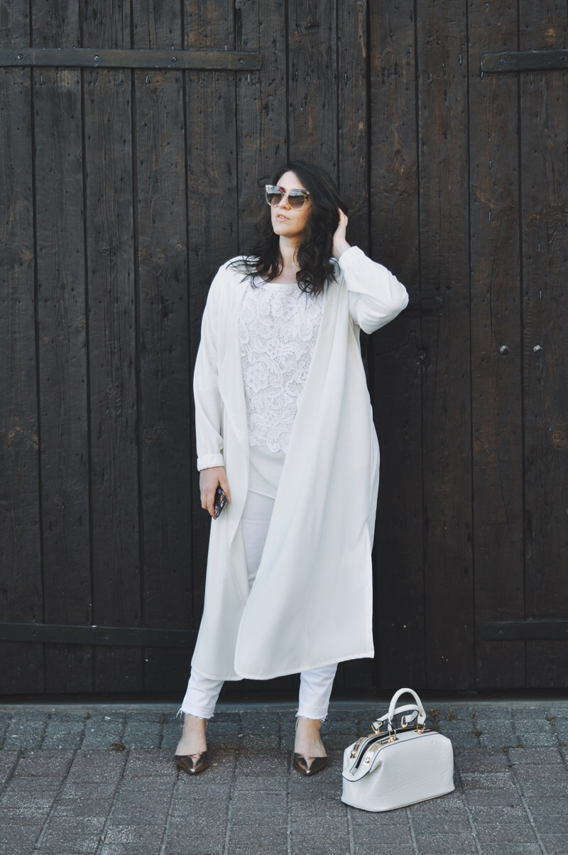 all white | balts