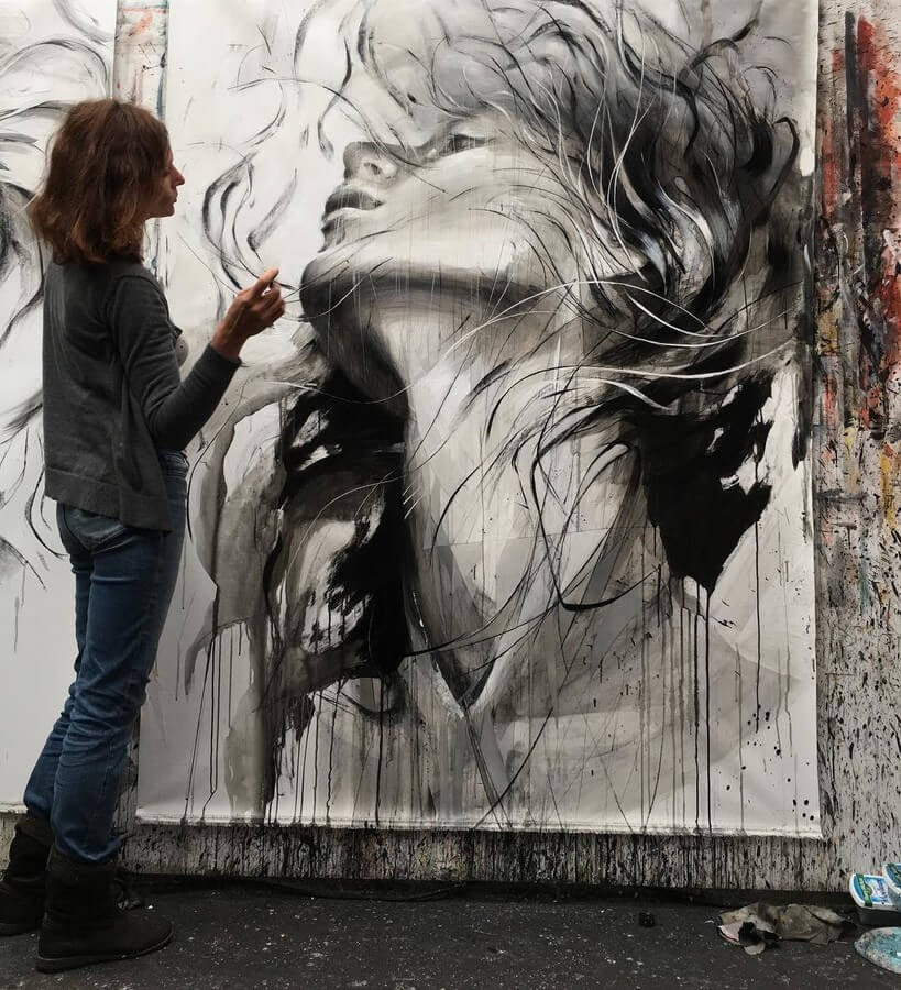 04-Large-Format-Oil-Paintings-and-Charcoal-Drawings-www-designstack-co