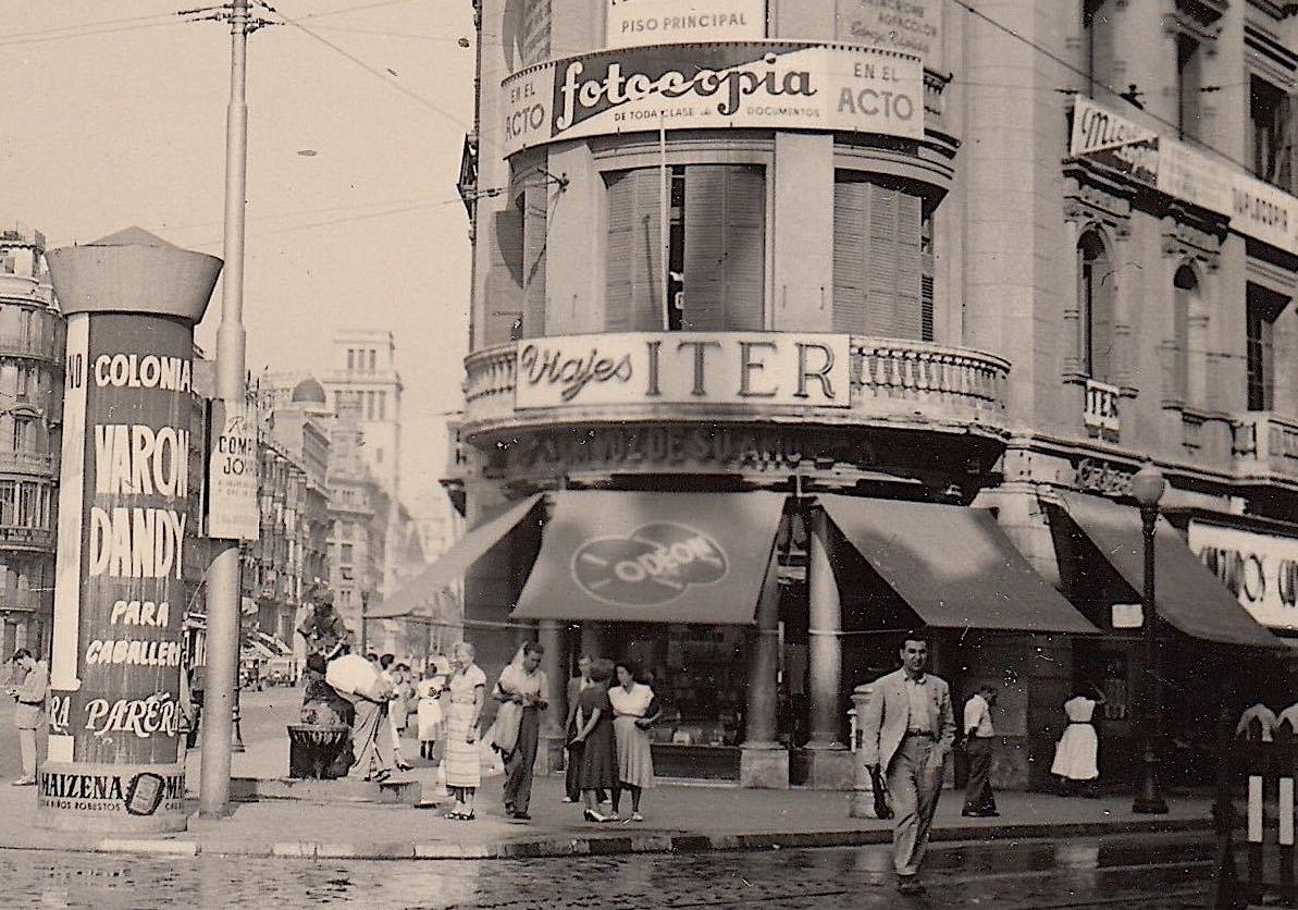 Barcelof lia carrer pelai botigues i comer os anys 1950 39 s - Oficinas pelayo barcelona ...