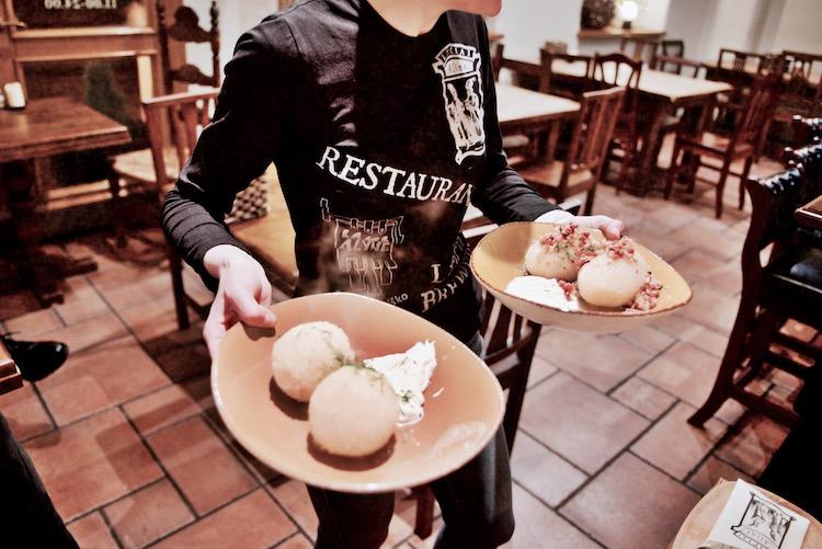Wilno menu degustacyjne, Wilno atrakcje, gdzie na piwo w Wilnie, Wilno cepeliny, Wilno, Wilno tradycyjne jedzenie, Wilno gdzie jeść, Wilno kuchnia litewska, Wilno jedzenie regionalne