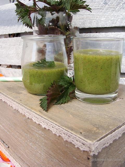 Zielone smoothie z młodą pokrzywą