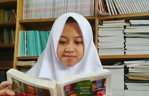 Afi Nihaya Faradisa ditawari beasiswa kuliah.