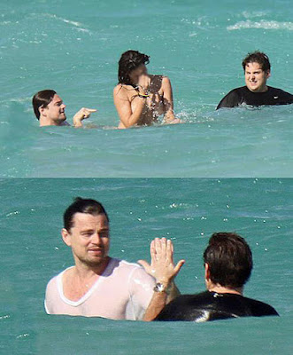 Lustige Prominente baden im Meer - Leonardo Dicaprio zum lachen