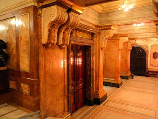 Sala de Bustos no Hall do Teatro Municipal do Rio de Janeiro