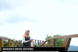 Lirik Dan Audio Lagu Minang Sri Fayola feat Ardi Alexi - Mananti Maso Batamu
