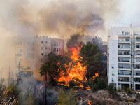 Israel Diamuk Kebakaran Hebat, Ribuan Warga Dievakuasi