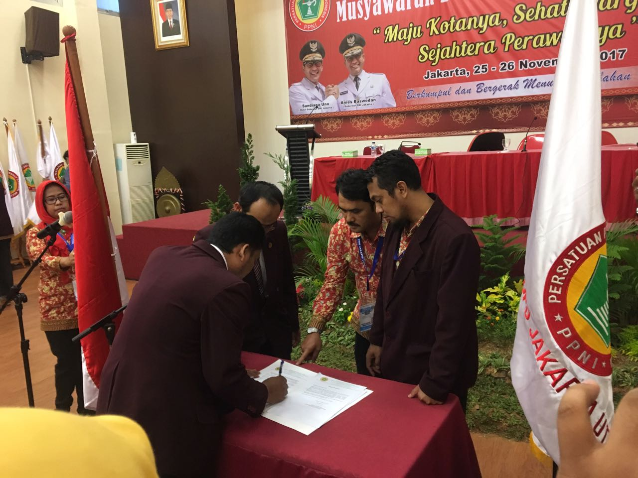 Penandatanganan Berkas Pelantikan Ketua DPD PPNI Jakarta Utara