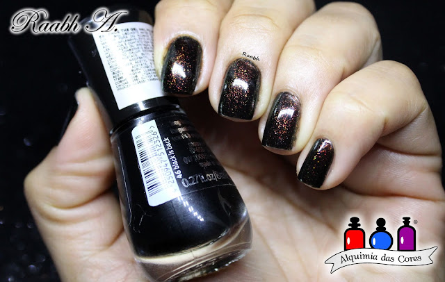 Essence, Esmaltes essence, Essence Holo Rainbow, Essence Gel Polish, Essence Black is Black,Batons Essence, Raabh A. 2018,  Essence Black is Black, glitter