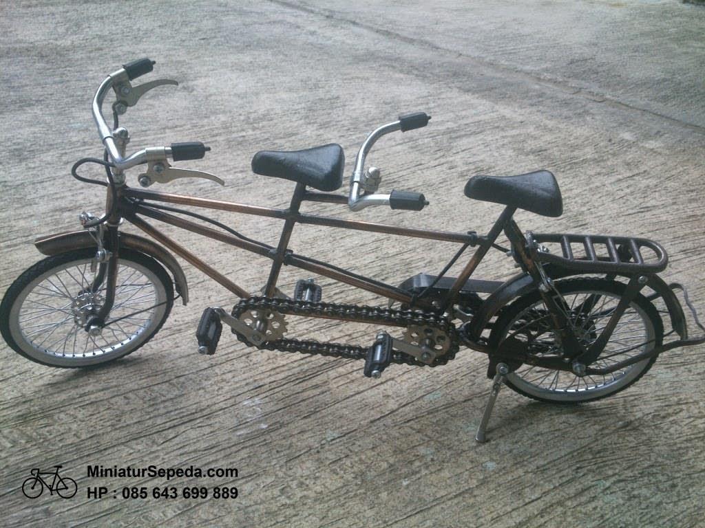 Miniatur Sepeda Tandem