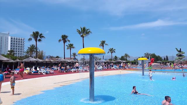 Familienausflug in den Wasserfunpark Mallorca