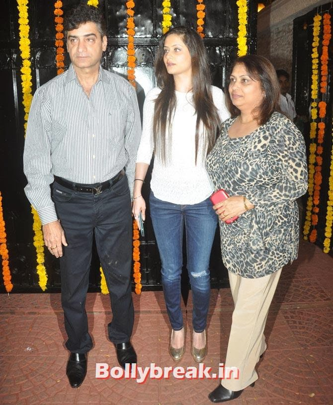 Indra Kumar with his family, Ekta Kapoor's Diwali bash 2013