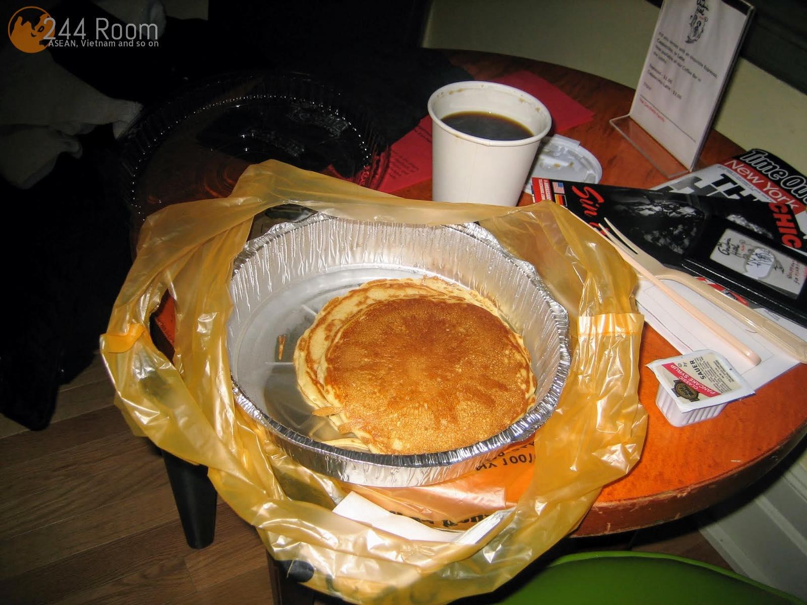 ニューヨークのパンケーキとコーヒー Pancake and coffee in NY2
