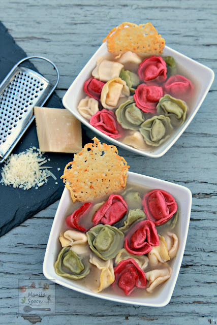 This very tasty soup is a huge time saver and great for those busy nights! No chopping or extra prep required to make this yummy Cheese  Tortellini and Pesto Soup.