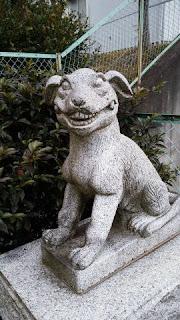 貝取御嶽神社 狛犬右