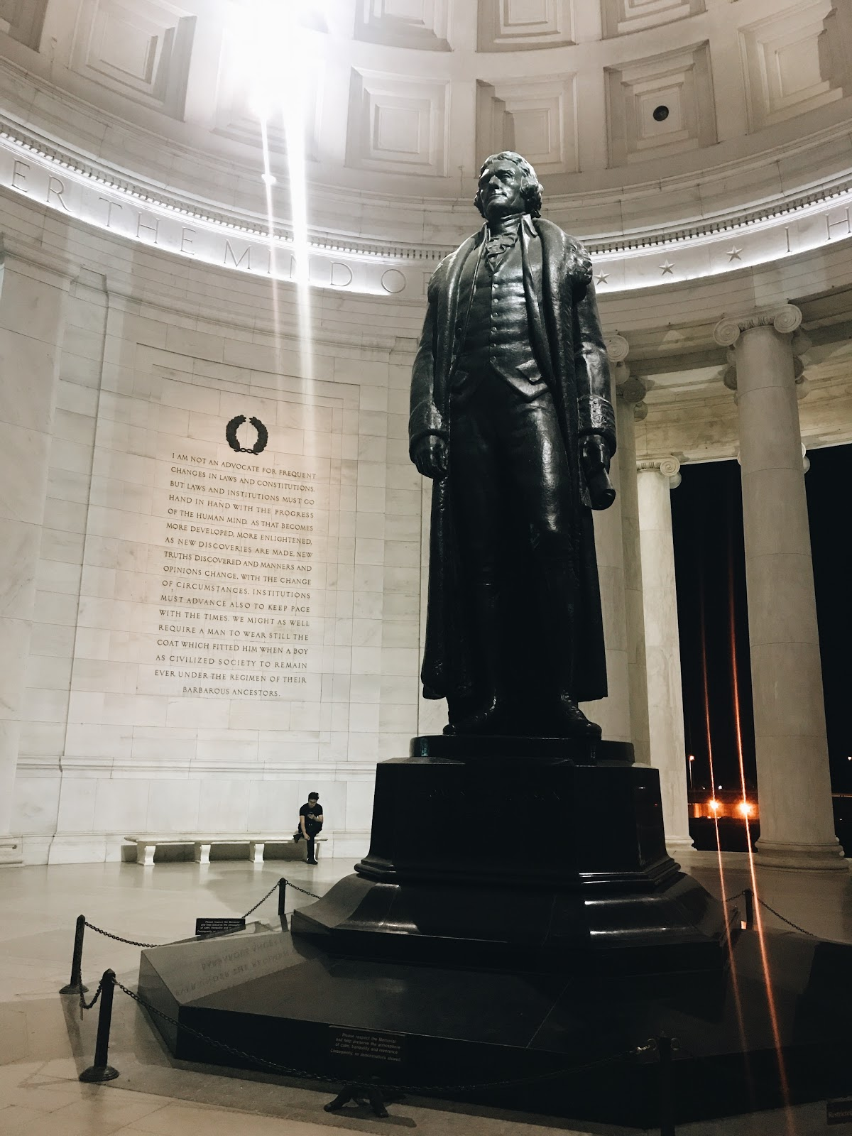 Jefferson Memorial statue | A Weekend in DC