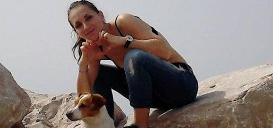 Foggia: salva il cane finito sui binari, giovane travolta dal treno