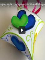 http://manualidadescartulina.blogspot.com.es/2016/11/tutorial-gratis-caja-para-regalo-de.html