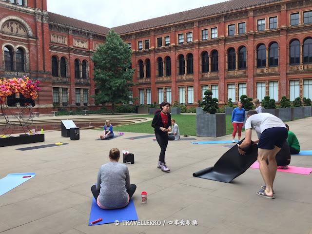 [行程|倫敦] V&A Yoga Coffee Morning: Pilates - 博物館晨喚皮拉提斯附贈導覽與熱飲