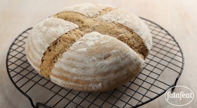 خبز بالقمح والحبوب