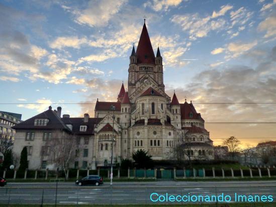 Iglesia de San Francisco de Asís - visitar Viena en 3 días