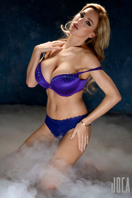 Jordan-Carver-WWL-Photo-Shoot-in-Hot-Blue-Bikini-HD-Picture-25