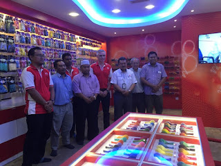 сотрудники компании EVERTS Малайзия