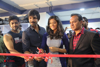 Actor Aadhi And Actress athrie Inaugurated F45 Fitness Studio Stills 0098
