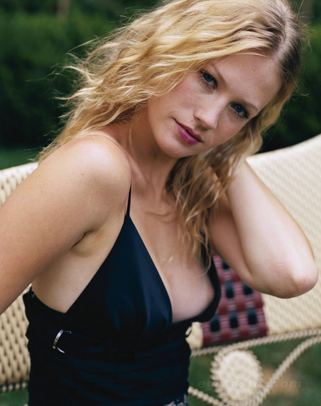 january jones nip slip