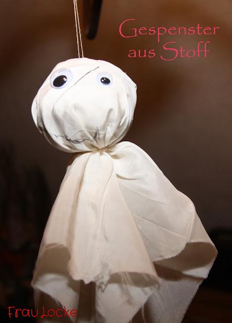 http://fraulockenaeht.blogspot.de/2015/10/spooky.html
