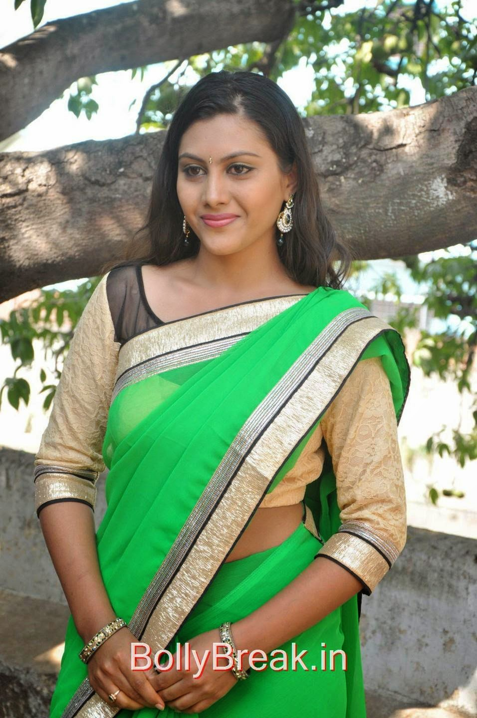 Priyanka Pictures, Hot Pics Of Priyanka In Green Saree from SS Art Productions Production No 1 Movie