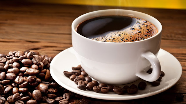 Should you drink coffee before training?