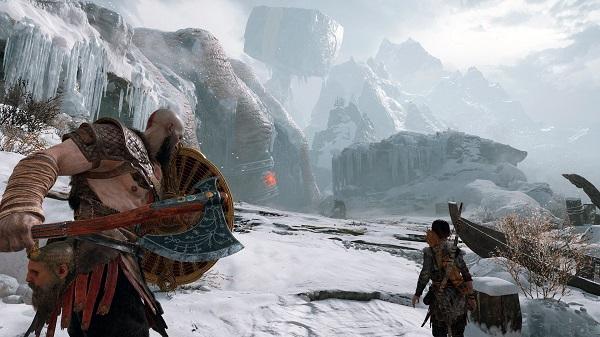 بعد مرور عام كامل عن إطلاق لعبة God of War إليكم هدايا رائعة متوفرة الآن على متجر PlayStation Store !