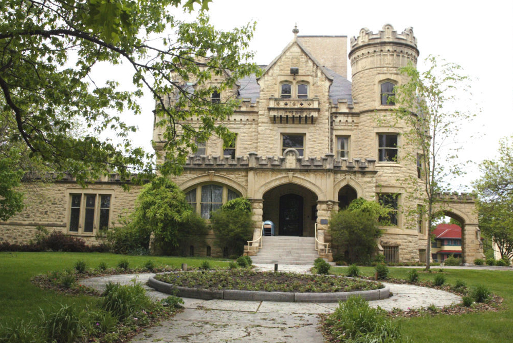 Joslyn Castle Omaha Wedding Venues