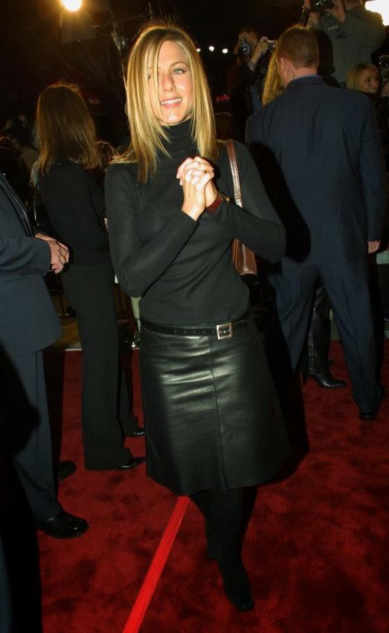falda midi cuero street style