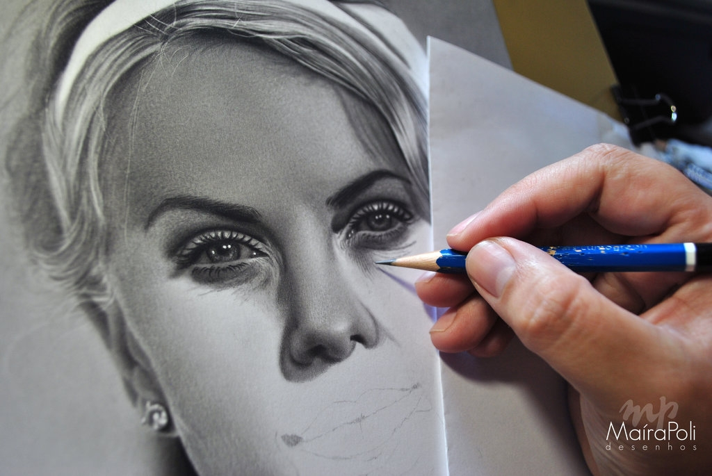 15-Charlize-Theron-Maíra-Poli-Mahbopoli-Black-and-White-Realistic-Pencil-Celebrity-Portraits-Drawings-www-designstack-co