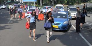 Pengalaman Naik Taksi Konvensional, Go-Jek dan Grab di Solo - Boyolali