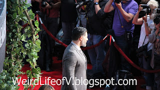 Joe Manganiello poses for photographers - Jurassic World Premiere