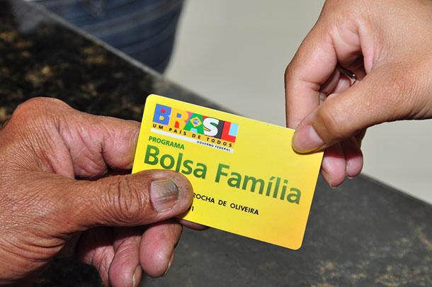 Cadastros do Bolsa Família são cancelados e bloqueados em Cacoal