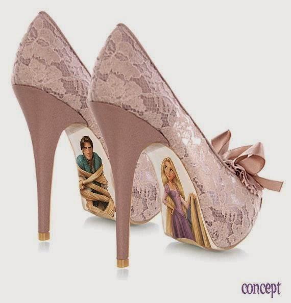 Rapunzel desenhados na parte inferior do sapato louboutin