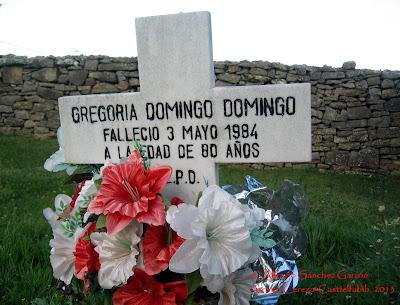 arroyo-cerezo-tumba-cruz-cementerio