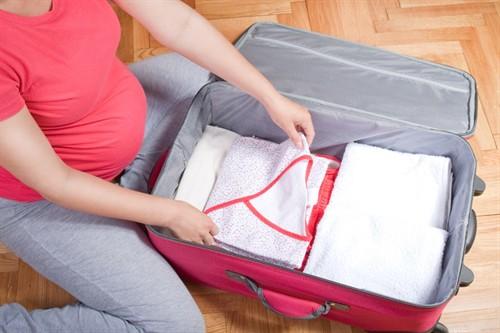 49777faa4 O que levar na mala da maternidade do bebê? | Mãe de Guri